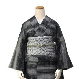 正絹着物 仕立上り 単品 黒地絣縞柄 フリーサイズ 紬 袷 女性 レディース小紋 こもん きもの つむぎ キモノ kimono 送料無料 kimono-kyoukomati