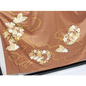 さらに値引きしました30%OFF 色留袖 正絹 共八掛 3つ紋(金糸縫い紋) 雲取りに花車 揚羽蝶 154cm前後ベスト 美品|kimono-maruichi|03