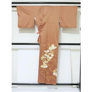 さらに値引きしました30%OFF 色留袖 正絹 共八掛 3つ紋(金糸縫い紋) 雲取りに花車 揚羽蝶 154cm前後ベスト 美品|kimono-maruichi|06