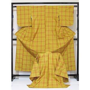 ●さらに!値引きしました30%OFF未使用 仕付 証紙【正絹大島紬】 アンサンブル/藤絹織物謹製 車輪梅 格子/鬱金(うこん)/155cm前後の方【超美品】お薦めです|kimono-maruichi