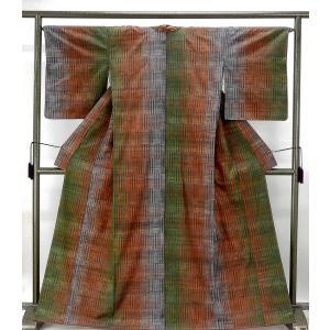 紬 未着用美品 正絹 手しぼり繧繝染 縦縞幾何模様 紬 未使用 新古品 着物 kimono-syoukaku