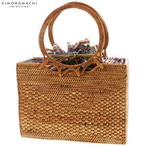 夏のおでかけに。浴衣、着物、普段の洋服にもお洒落な岡重のアタバッグです。癒しの音ガムランボールの飾り...