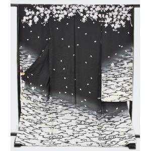 正絹薄墨桜柄逸品振袖・黒地・モノトーン・金通し変り織|kimonotanaka