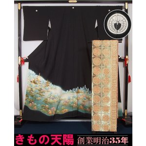 着物セット 黒留袖と袋帯のセット 五重の塔模様 丸に下り藤紋 巾広 裄長サイズ 落款有り  送料無料  リサイクル着物|kimonotenyou