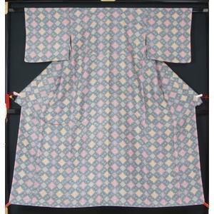 未使用品(仕付け糸付き)です。  リサイクル着物とアンティーク着物の専門店 リサイクルきもの天陽 注...