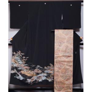 着物セット 黒留袖・袋帯 2点 セット 寺院に庭園模様 五三の桐紋 作家物 落款有り 送料無料 中古 リサイクル着物 中古 留め袖 結婚式 帯 留袖 リサイクル 黒留袖|kimonotenyou