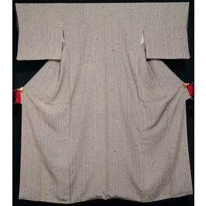 小紋 南天に枝葉模様 西武 鼠色 ちりめん 中古 リサイクル着物 リサイクル小紋 正絹 カジュアル 仕立て上がり 普段着物 練習用着物 お稽古用着物 お茶 踊り|kimonotenyou