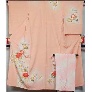 着物セット 付下げ訪問着 長襦袢 2点 セット 牡丹模様 珊瑚色 付け下げ 付下げ 訪問着 中古 リサイクル 訪問着 リサイクル着物 正絹 結婚式|kimonotenyou
