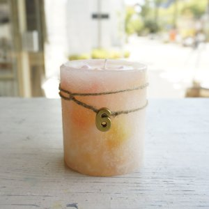 kinariオリジナル誕生石カラーキャンドル+アロマオイル(BOX付き) 6月 真珠|kinaricandle