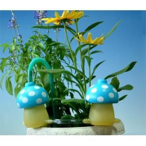 プランターへの自動給水は給水きのこちゃん青色2個|kinkobay
