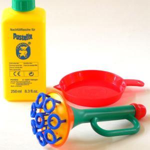 PUSTEFIX社 水遊び シャボン玉 トランペットです。  音の変わりに、きれいなシャボン玉が奏で...