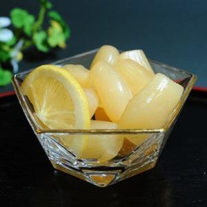 国内産原料をうす塩で漬け込み、自然の乳酸発酵をさせ、その味を基本にまろやかな甘酢漬に仕上げました。シ...