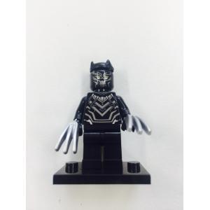 ブラックパンサー ミニフィグ  レゴ互換 新品    シルバーカラーの手になっています(かぎ爪持って...