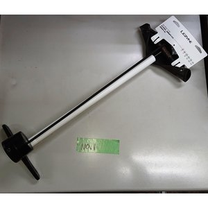 現品限り 長期在庫処分品です。  LEZYNE 高圧フロアポンプ  デジタルメーターを採用  空気圧...