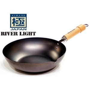 品名:リバーライト 極JAPAN 炒め鍋 28cm  取手を含む商品外径サイズ(cm):全長47.3...