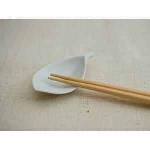 白山陶器 木の葉 はしおき 白 [ HAKUSAN 和食器 ]|kitchen