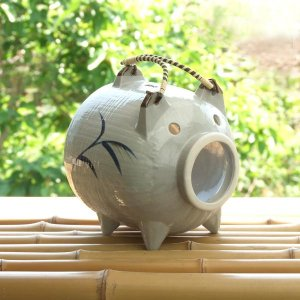 アシ絵 蚊取り豚 普通サイズ 1個|kitchengoods-bell