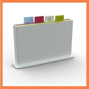 ●4枚のまな板を用途によって使い分け収納が簡単にスッキリ機能と遊び心が一体となった『インデックスまな...