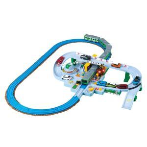プラレールとトミカが一緒に遊べる大きな踏切が登場!! レバーとボタンで操作できる!電車が近づいてくる...