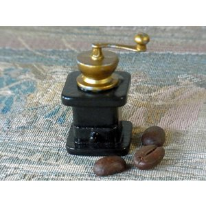 アンティークミニチュア雑貨(コーヒーミル)。お部屋のインテリアに、ドールハウスのアクセントに如何です...