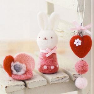 ハマナカ 羊毛フェルト ハートのストラップ&お花のブローチ&ウサギ ko-da