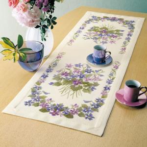 オリムパス 刺繍キット オノエ・メグミ スミレのテーブルセンター 【刺繍キット】|ko-da