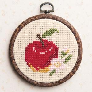 オリムパス クロスステッチ刺繍キット プチフープ リンゴ(フープ付)  【刺繍キット】|ko-da