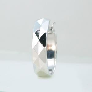 メンズピアス 本物14金WG 幅広 ダイヤカット クロッシング フープピアス K14WG 片方|kobe-asahiya