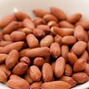 ピーナッツ 生なので食べ方もバリエーションがあり、3〜4分電子レンジで温めるだけで煎りたての味が楽し...
