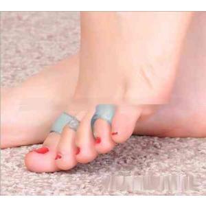 男女兼用 書店で話題 魔法の 足指パッド 育足 つけるだけ ...