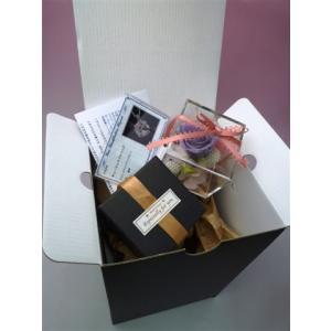 キラキラローズ&カーネーションのキューブアレンジ(小)と8カラット相当極デカCZダイヤネックレスのセット kodemari-jp 06