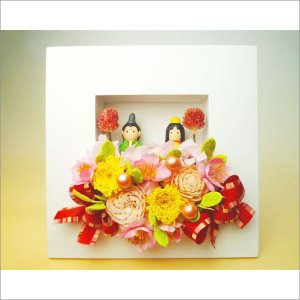 ひなまつり♪お雛様とプリザーブドフラワーのウッドフレームアレンジ|kodemari-jp