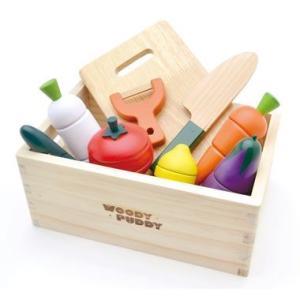 ダントツ人気の木箱セットがパッケージリニューアルしました。セットには収納に便利な木箱と皮むき遊びもで...