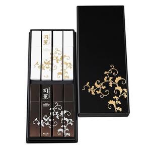 日本香堂が受け継ぐ天正年間以来の薫香技術を用い、練り上げたお線香「司薫」(しくん)。 品質の良い香木...