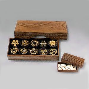香道は、室町時代におきた日本の伝統文化です。仏教と共に日本に伝えられた香は、平安時代には、個人の趣好...