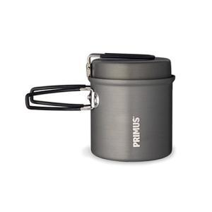コッヘルとはドイツ語で加熱用調理器具のことです。アルミでできたコッヘルは熱伝導率が高く、アウトドア用...