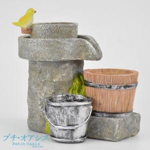 今流行の多肉植物の寄せ植えにぴったりの、おしゃれなポリ製植木鉢。  ●商品情報 どこか懐かしさを感じ...