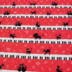 お気に入りシリーズ オックスキルティング(ねことピアノ 赤)|komachi