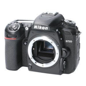 メーカ/ブランド:NIKON 商品名:NIKON D7500 通称:デジタル一眼 商品ランク:中古品...