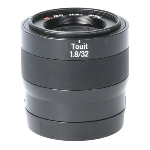 CARL ZEISS TOUIT32mm F1.8 E用
