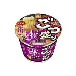 麺90g、豚や鶏のうまみに醤油や隠し味の煮干粉末などを利かせたコク深いスープの大盛豚骨醤油ラーメン。
