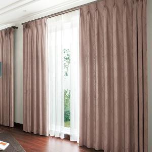 タテ糸で手描き風のラインを表現しました。モダンさの中にソフト感をプラスします。東リのオーダーカーテン...
