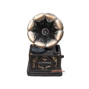 レジン製の蓄音機モチーフのバンクです。(新品) 背面に投入口、底部分に取り出し口があります。 雰囲気...