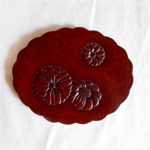 鎌倉彫 土瓶敷き 小判 菊