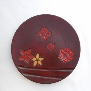 鎌倉彫 平皿 足台付 八寸 花々(朱入り)|koudou