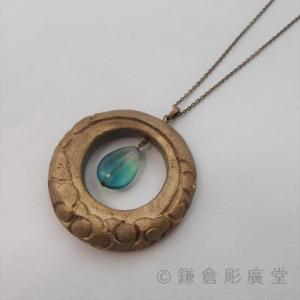 鎌倉彫 ネックレス 円 月に雲(錫粉蒔)|koudou