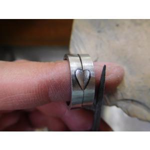 プラチナ 結婚指輪【本物の鍛造】2本の指輪を合わせると 可愛いミル打ちのハートに|kouki|18