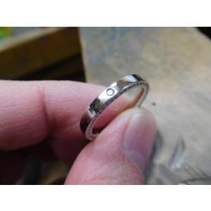 プラチナ結婚指輪(鍛造&彫金)光沢 ダイヤ入り 側面にミル打ち|kouki|03