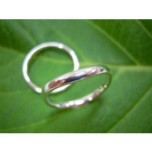 プラチナ結婚指輪(鍛造&彫金)光沢 シンプルな細い甲丸 V字&Vライン|kouki
