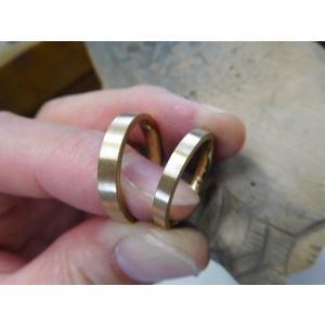 プラチナ結婚指輪(鍛造&彫金)光沢&艶消しコンビ 幸せの四葉のクローバー|kouki|02